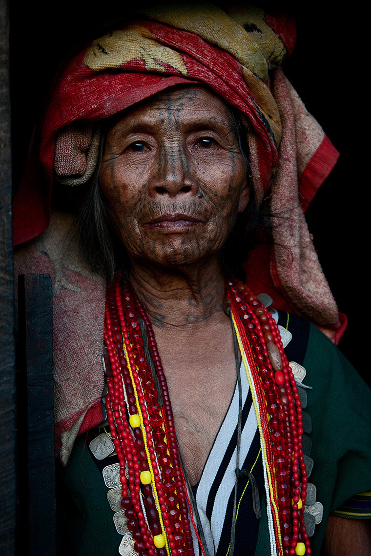 chin woman with facial tatoo, chin state, Burma (Myanmar). Photo © Konstantino Hatzisarros 2013