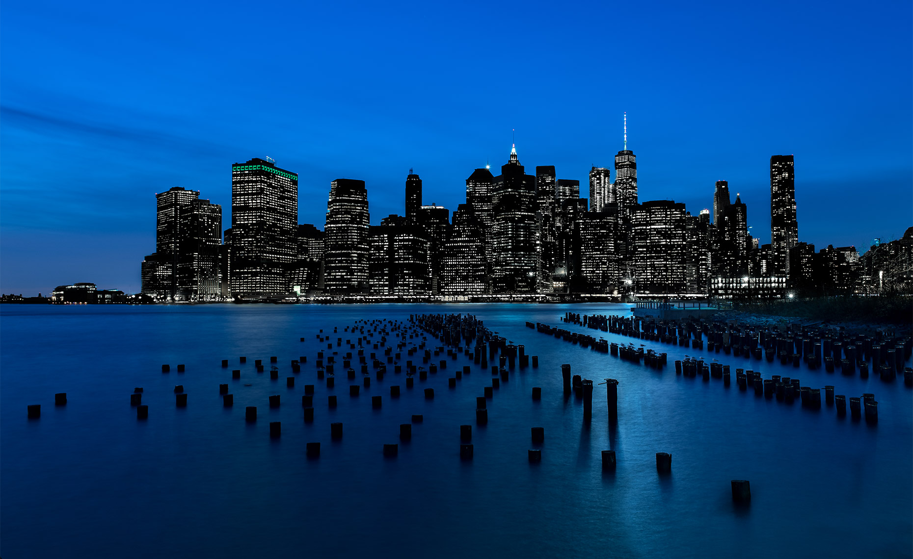 New-York-Postcard-of-Downtown-Skyline-at-Night