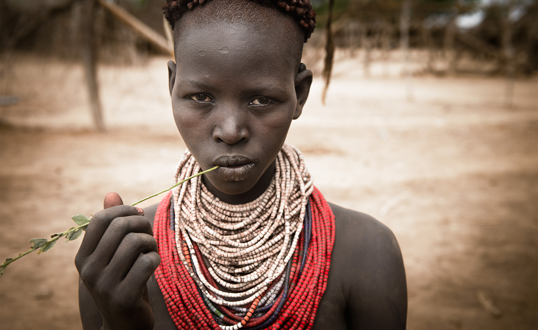 karo-tribe-omo-valley-ethiopia-girl