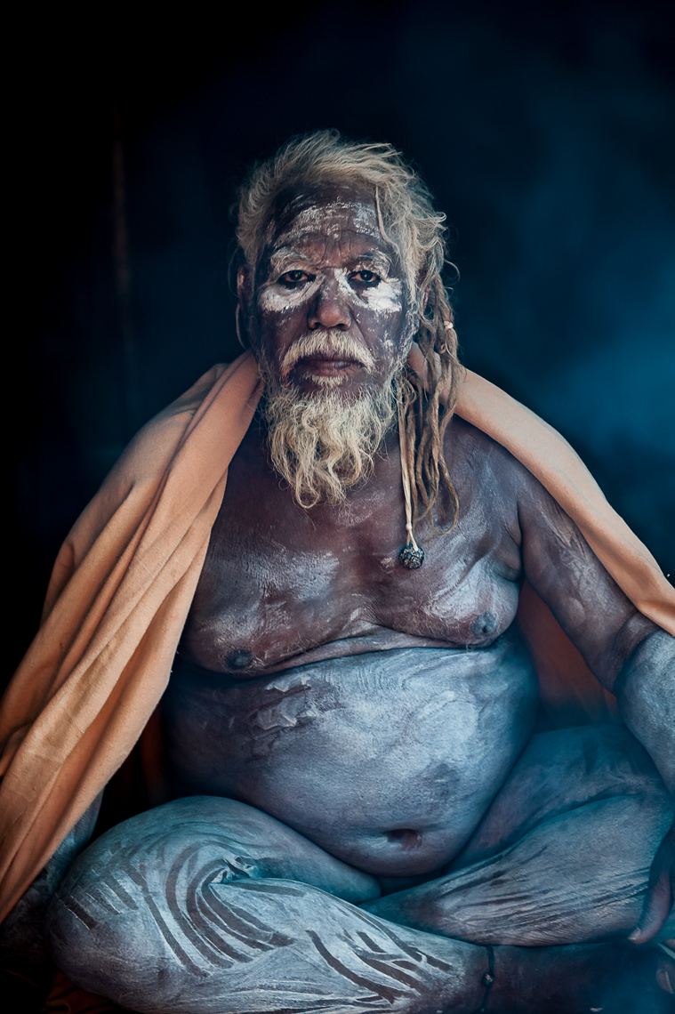 naked_sadhu_in_kumbh_mela_india