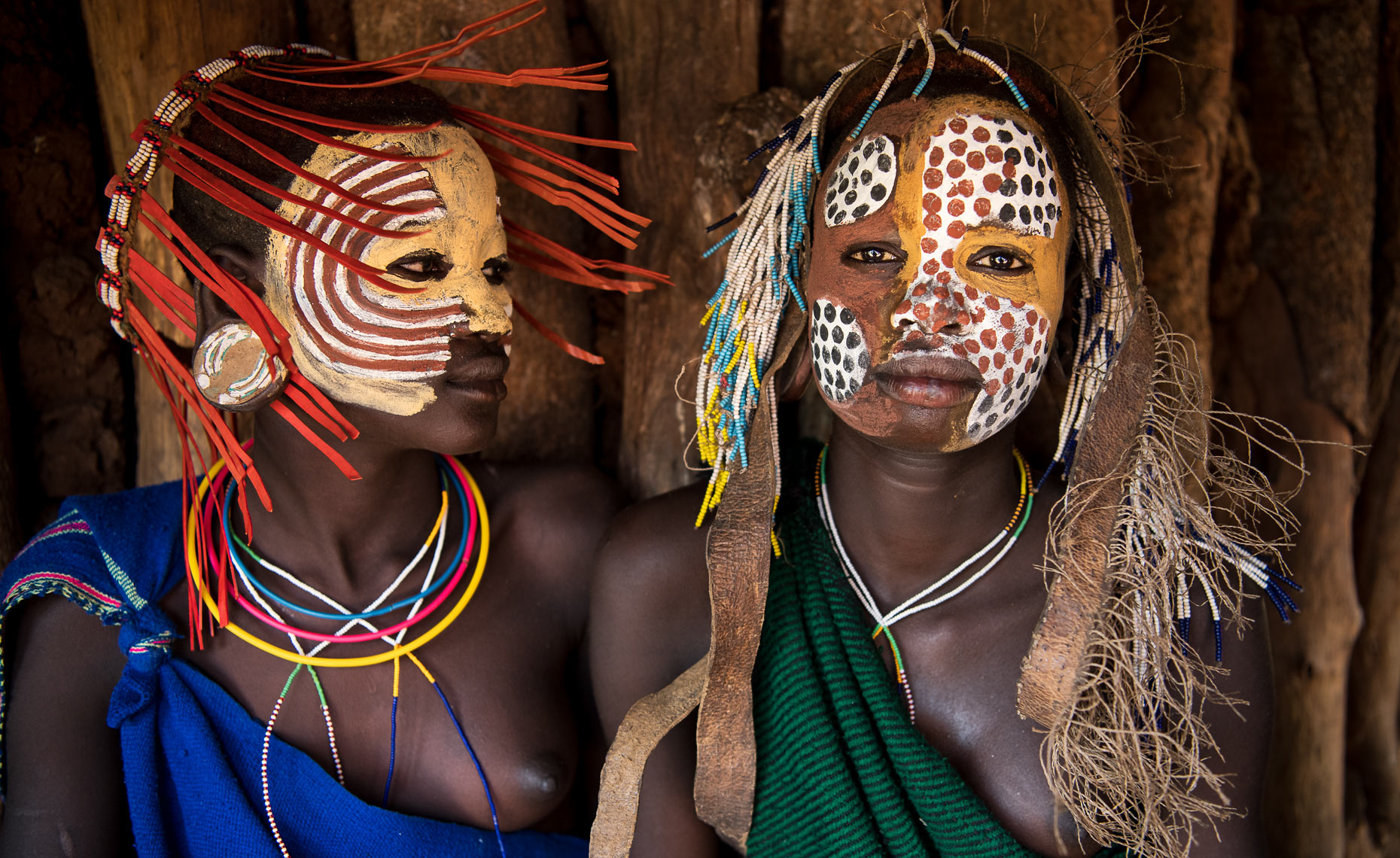 surma-tribe-suri-tribe-girls-ethiopia with face paint