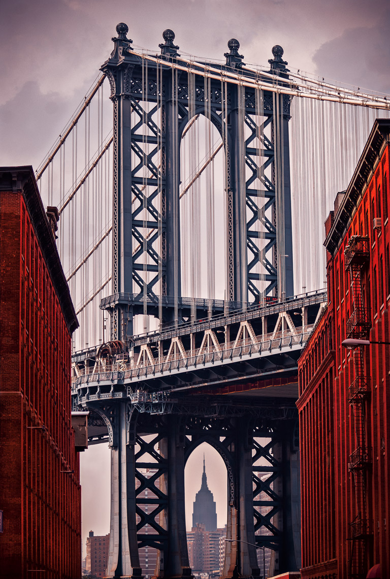 the_manhattan_bridge_and_the_empire_state_building_Dumbo_NY_Postcard